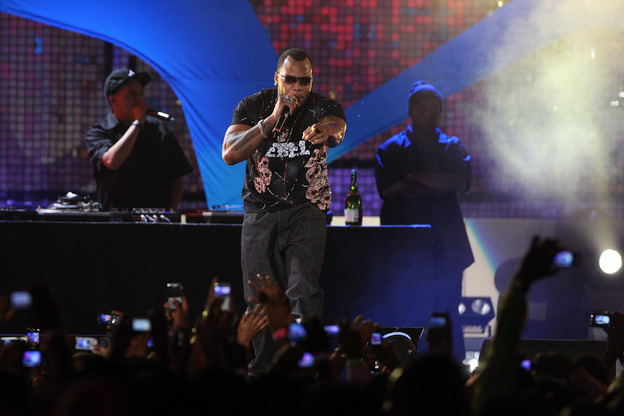mtv-africa-music-awards-flo-rida-performs-on-stage-at-the-mtv-africa-music-awards-2008.jpg
